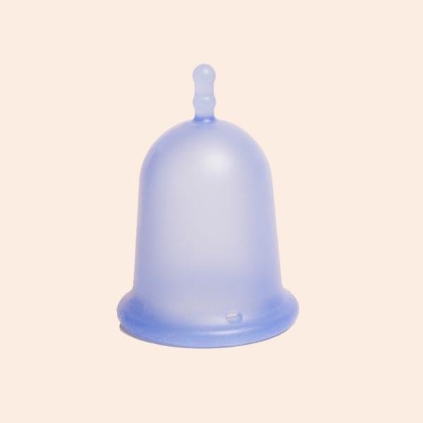 petite coupe menstruelle rigide